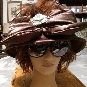 Gorgeous vintage Ellie hat